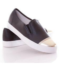 Arany orrú egyszínű műbőr női slip-on cipő (213)