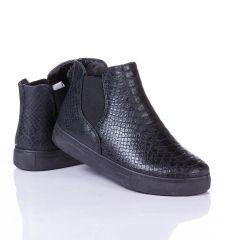Kígyó mintás, gumis, enyhe szőrme béléses női magasszárú cipő (KH-25)