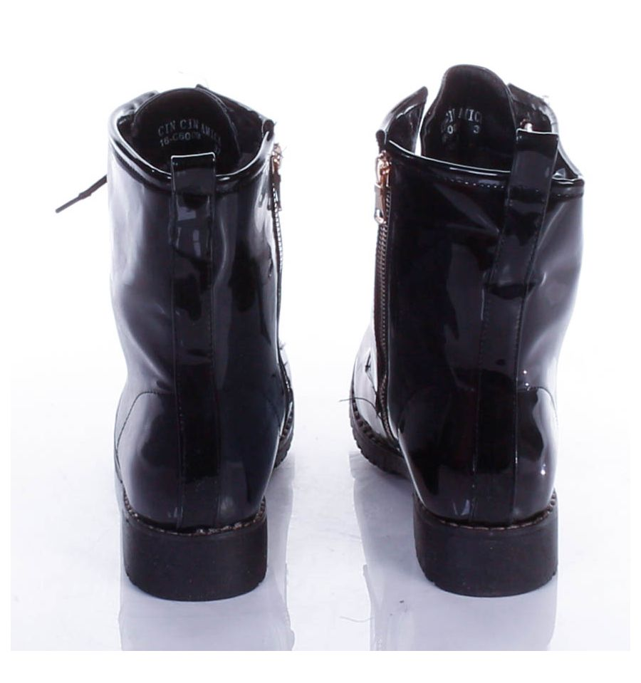 Lakkos, bélelt, fűzős cipzáros női bakancs, csizma (16 C6009