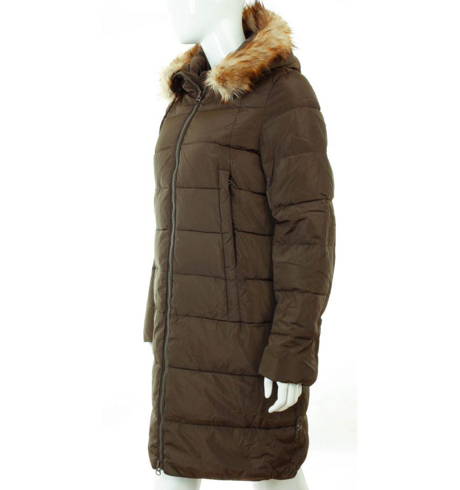 4251402940 ... Bundás, szőrme kapucnis, steppelt mintás női hosszú téli kabát  (WS-1712- ...