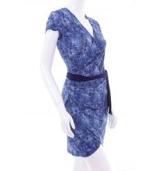 Farmeres, oldalt húzott, mellben lapolt, megkötős női ruha (2017)