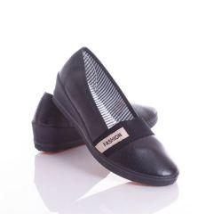 Lábfejnél gumis, műbőr, éksarkú női cipő (W-46)