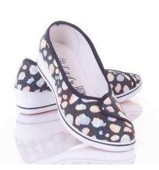 Nyomott mintás, belebújós, éksarkú női vászon cipő (0015-19)